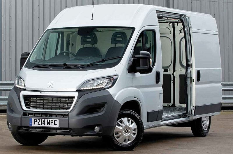 Peugeot Boxer L2H2 Professional Panel Van