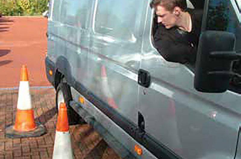 CRASH FIGURES SHOW IMPORTANCE OF REVERSING SENSORS ON VANS
